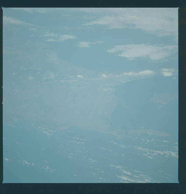 S09-39-2458 - STS-009 - Earth observations taken by the STS-9 crew