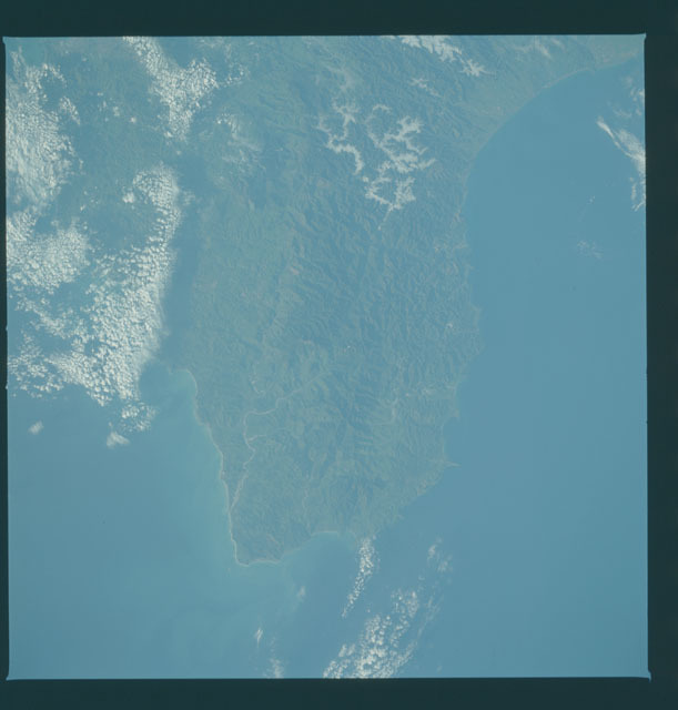 S09-43-2666 - STS-009 - Earth observations taken by the STS-9 crew