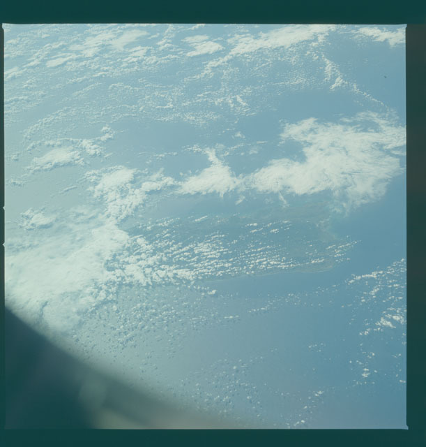 S09-50-1440 - STS-009 - Earth observations taken by the STS-9 crew