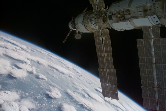 S106E5108 - STS-106 - External views of Zarya and Zvezda taken during the STS-106 mission