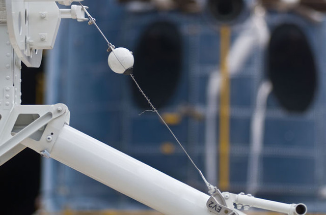 S109E5385 - STS-109 - Frayed wiring during  third EVA