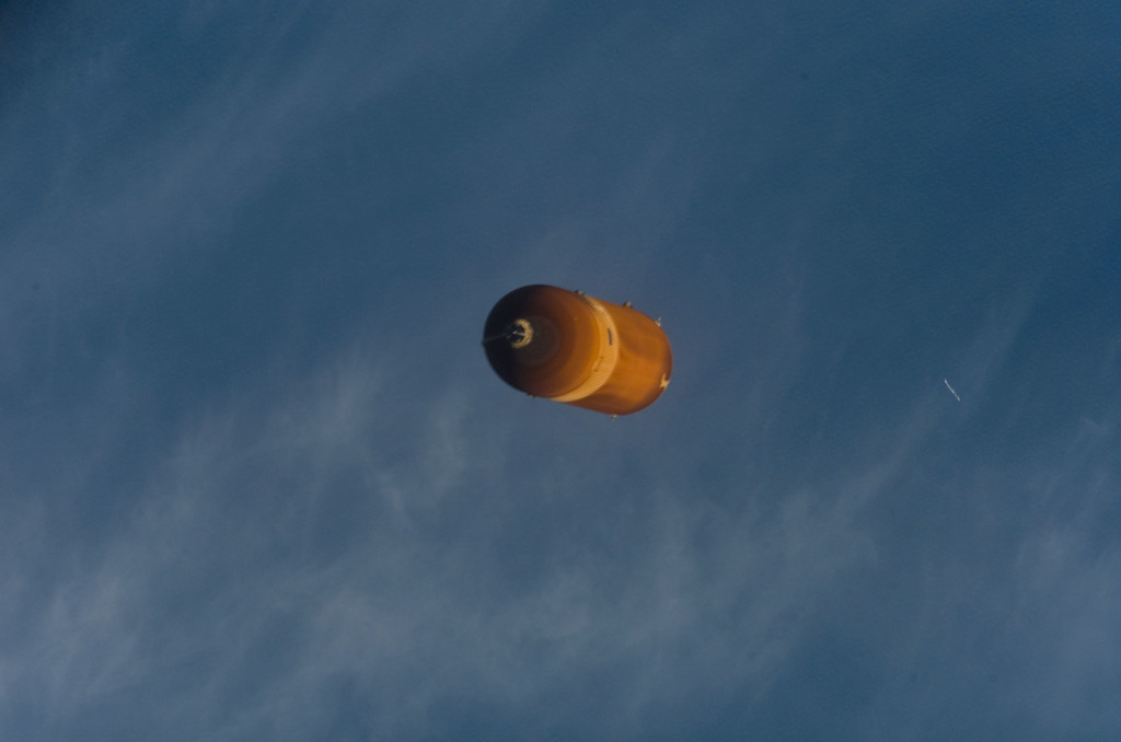 S114E5032 - STS-114 - View of STS-114 External Fuel Tank during separation