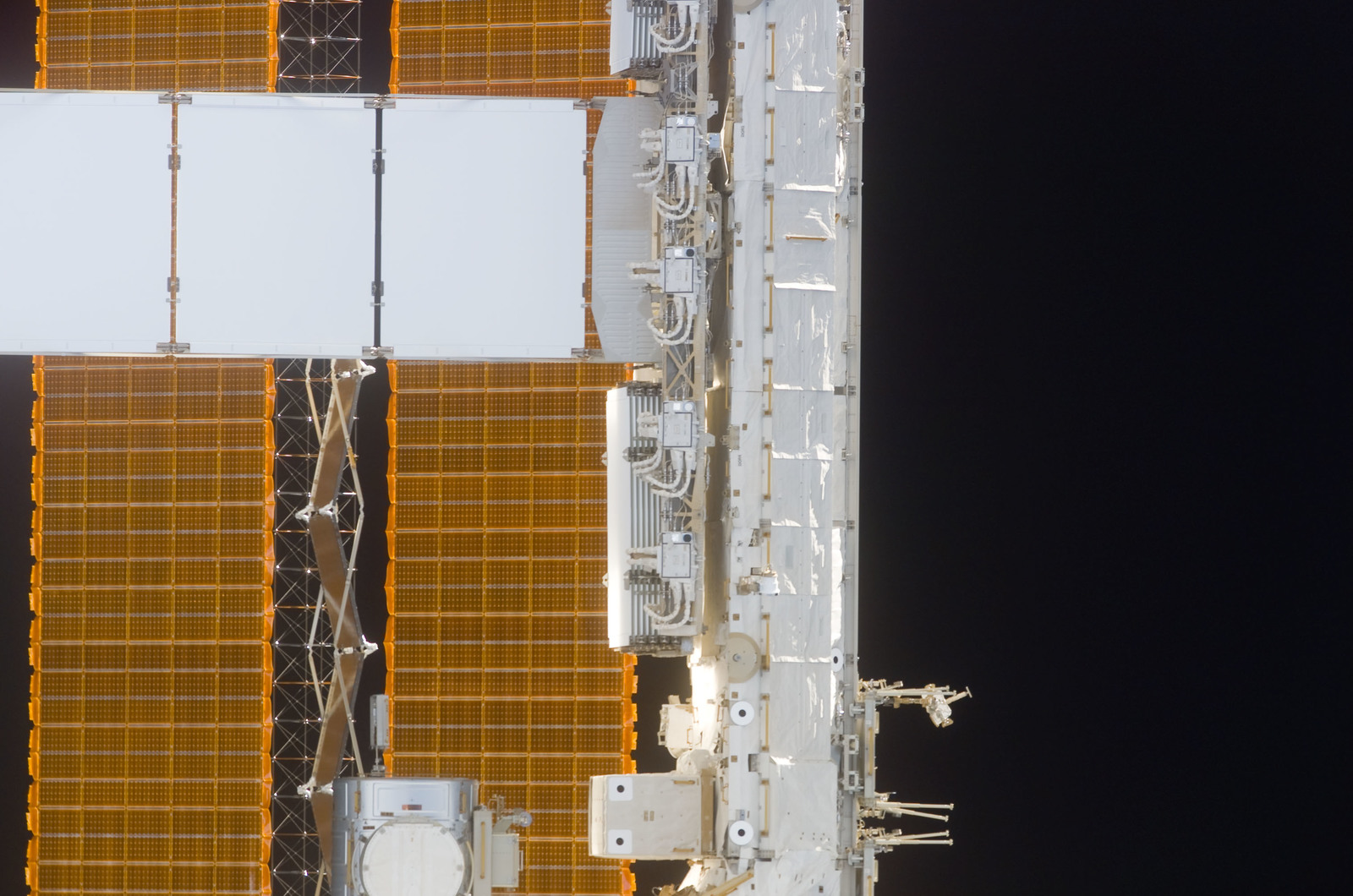 S114E5379 - STS-114 - Set of P6 / Photovoltaic Solar Arrays (SA),and S1 truss
