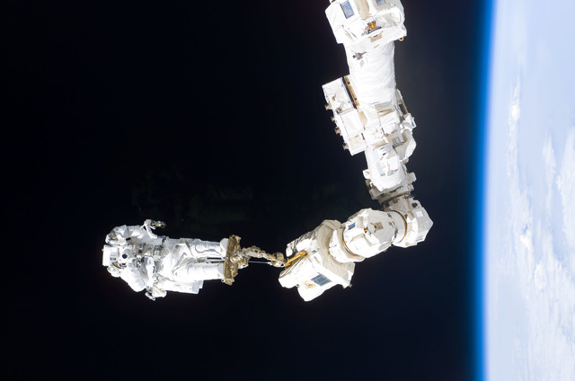 s114e6636 - STS-114