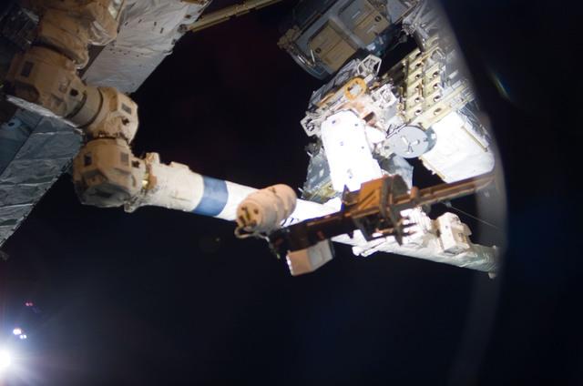 S114E6838 - STS-114 - External Stowage Platform 2 (ESP 2)