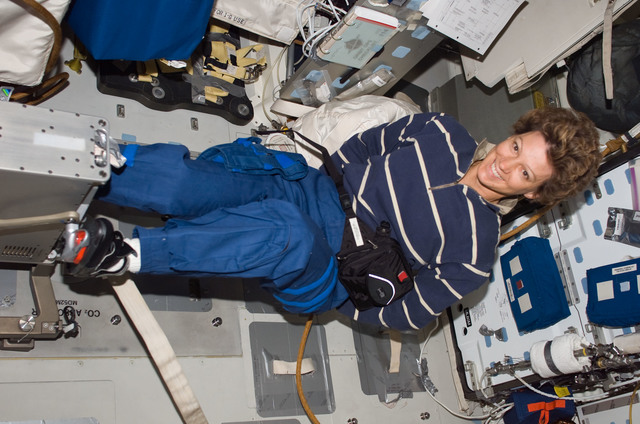 S114E6943 - STS-114 - Collins on middeck