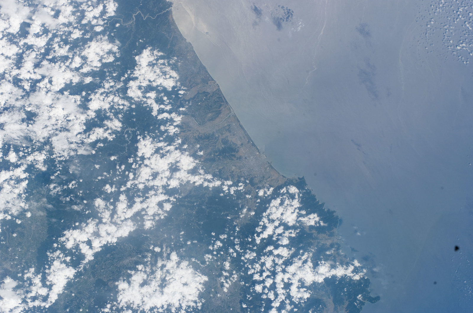 S114E7948 - STS-114 - Earth Observations taken by the STS-114 crew