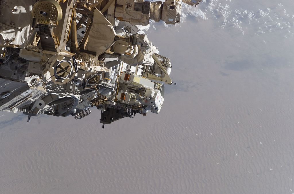 S115E05546 - STS-115 - Tanner and Stefanyshyn-Piper performs first EVA during STS 115 / Expedition 13 joint operations