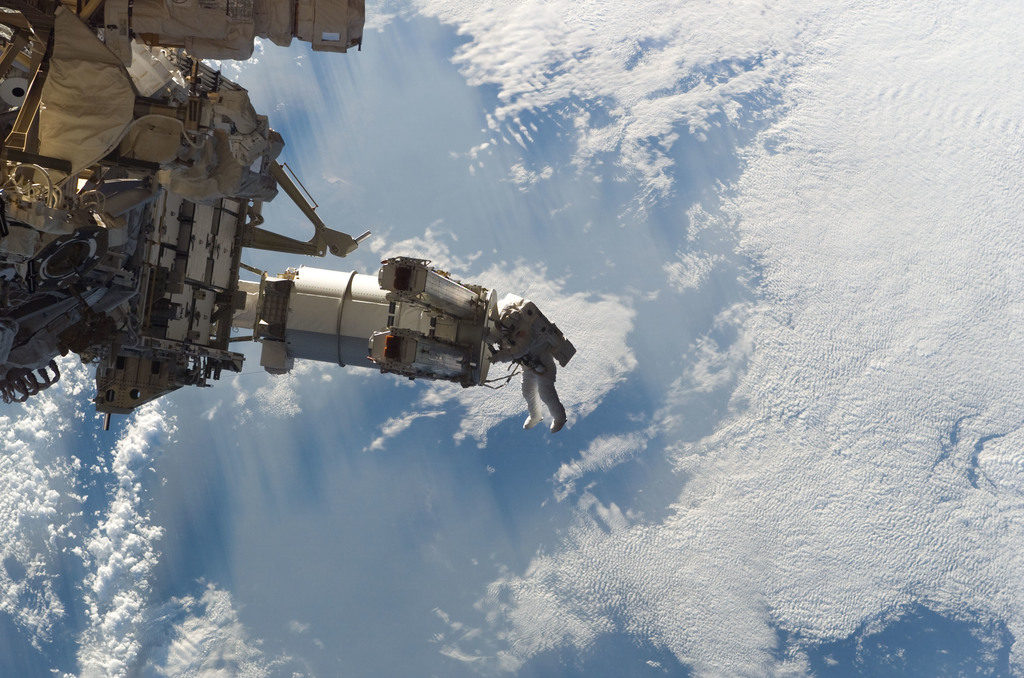 S115E05560 - STS-115 - Tanner and Stefanyshyn-Piper performs first EVA during STS 115 / Expedition 13 joint operations