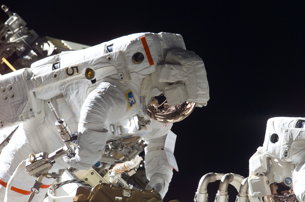 S115E05660 - STS-115 - Stefanyshyn-Piper and Tanner perform first EVA during STS-115 / Expedition 13 joint operations