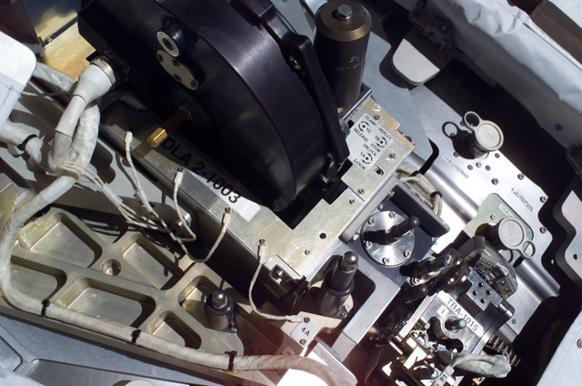 S115E05749 - STS-115 - TBA-1015 on the SARJ for segment P3 Truss taken during STS-115 EVA
