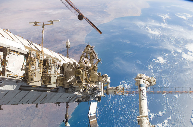 S115E06174 - STS-115 - P1 Truss, MBS, and P4 Truss taken during STS-115 third EVA