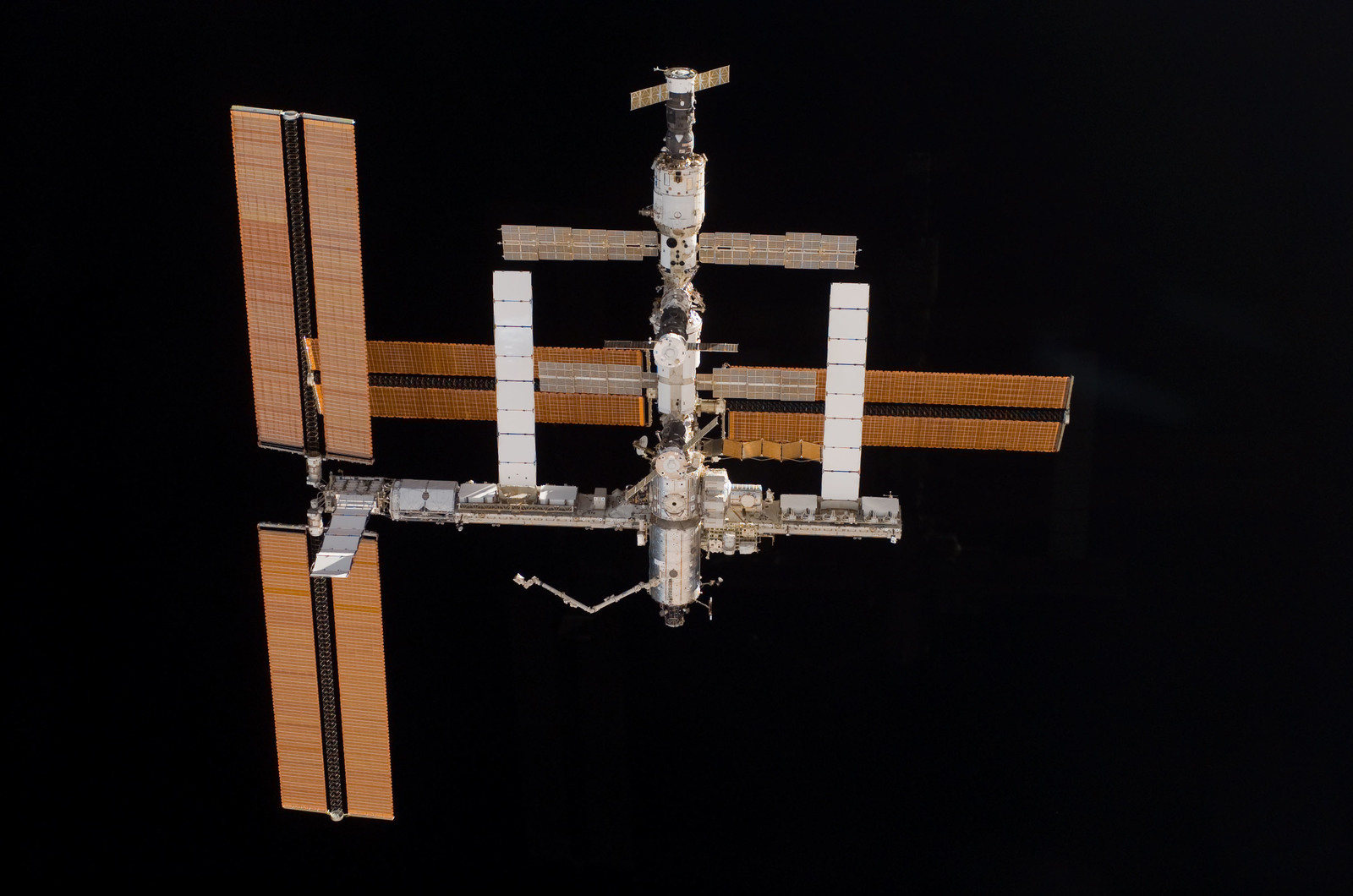 S115E06719 - STS-115 - Overall exterior view of the ISS during undocking and Flyaround Operations for STS-115 Space Shuttle Atlantis