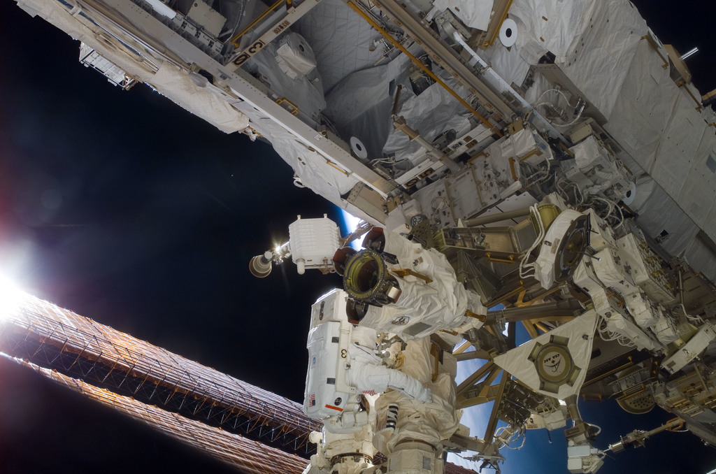 S116E06204 - STS-116 - STS-116 MS Curbeam,Jr.,working on the S1 Truss during EVA 2