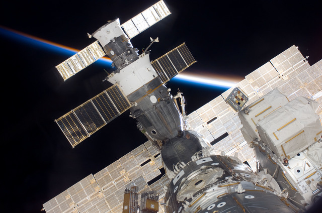 S116E06750 - STS-116 - Survey view of Soyuz Spacecraft, Progress Resupply Vehicle, A/L, and Node 1 during Joint Operations