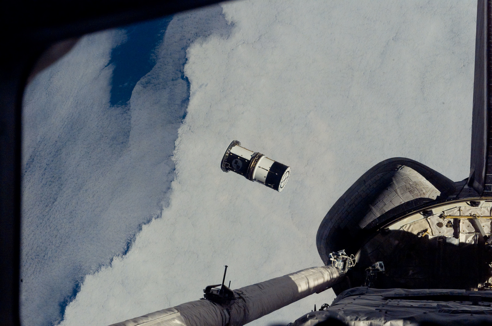 S116E07828 - STS-116 - View of ANDE release from orbiter Discovery payload bay