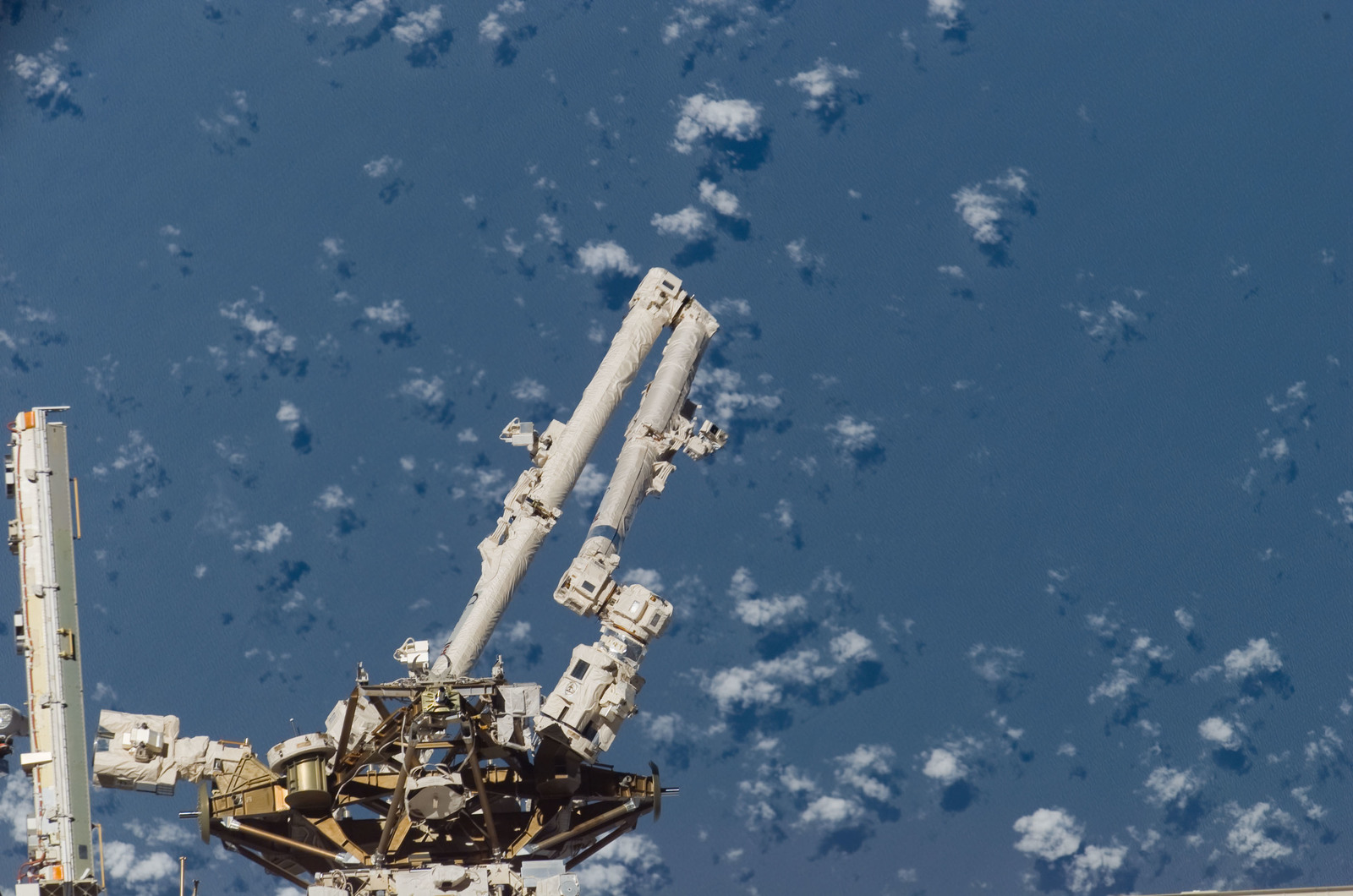 S117E08791 - STS-117 - MBS, MT, and SSRMS or Canadarm2 taken during STS-117 Mission