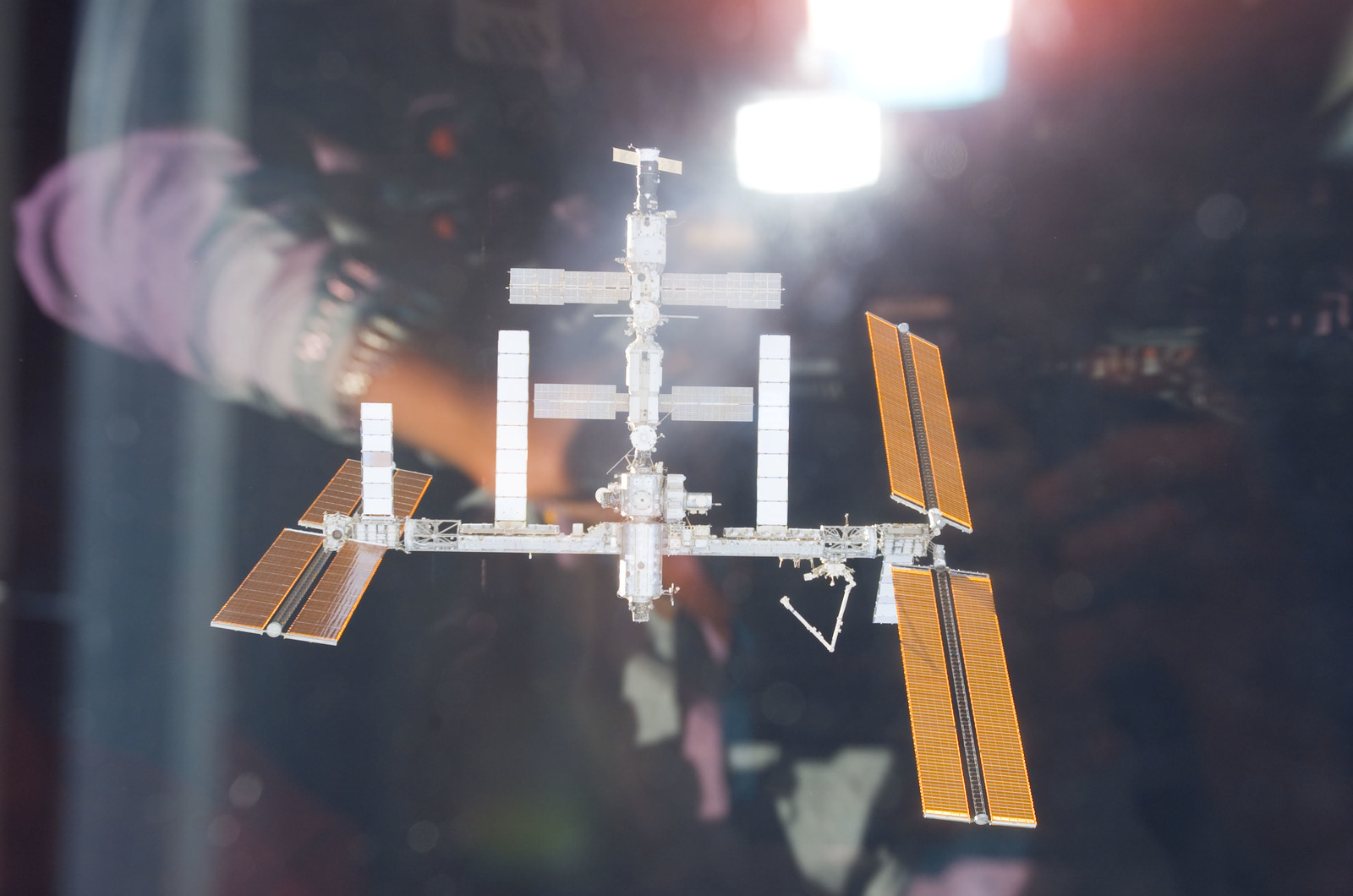 S118E06067 - STS-118 - View of the ISS taken during STS-118