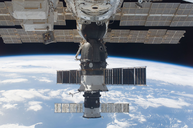 S118E06891 - STS-118 - View of docked Soyuz and Progress Spacecraft taken during STS-118