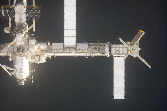 s120e006117 - STS-120