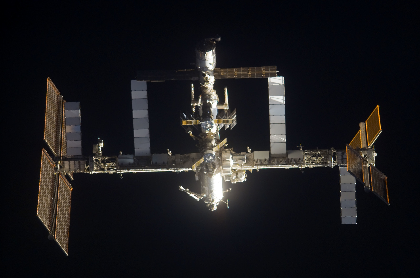S120E006252 - STS-120 - View of ISS taken during the STS-120 Approach