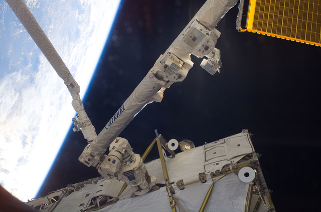 S120E007159 - STS-120 - View of Shuttle RMS and SSRMS