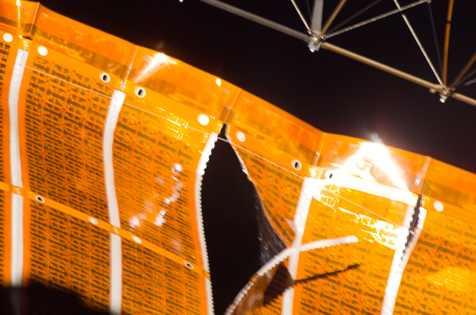 S120E008251 - STS-120 - Damaged P6 4B solar array wing