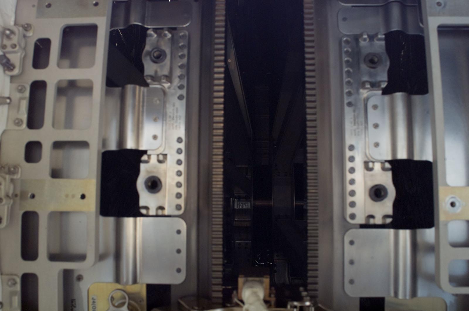 S120E008263 - STS-120 - SARJ