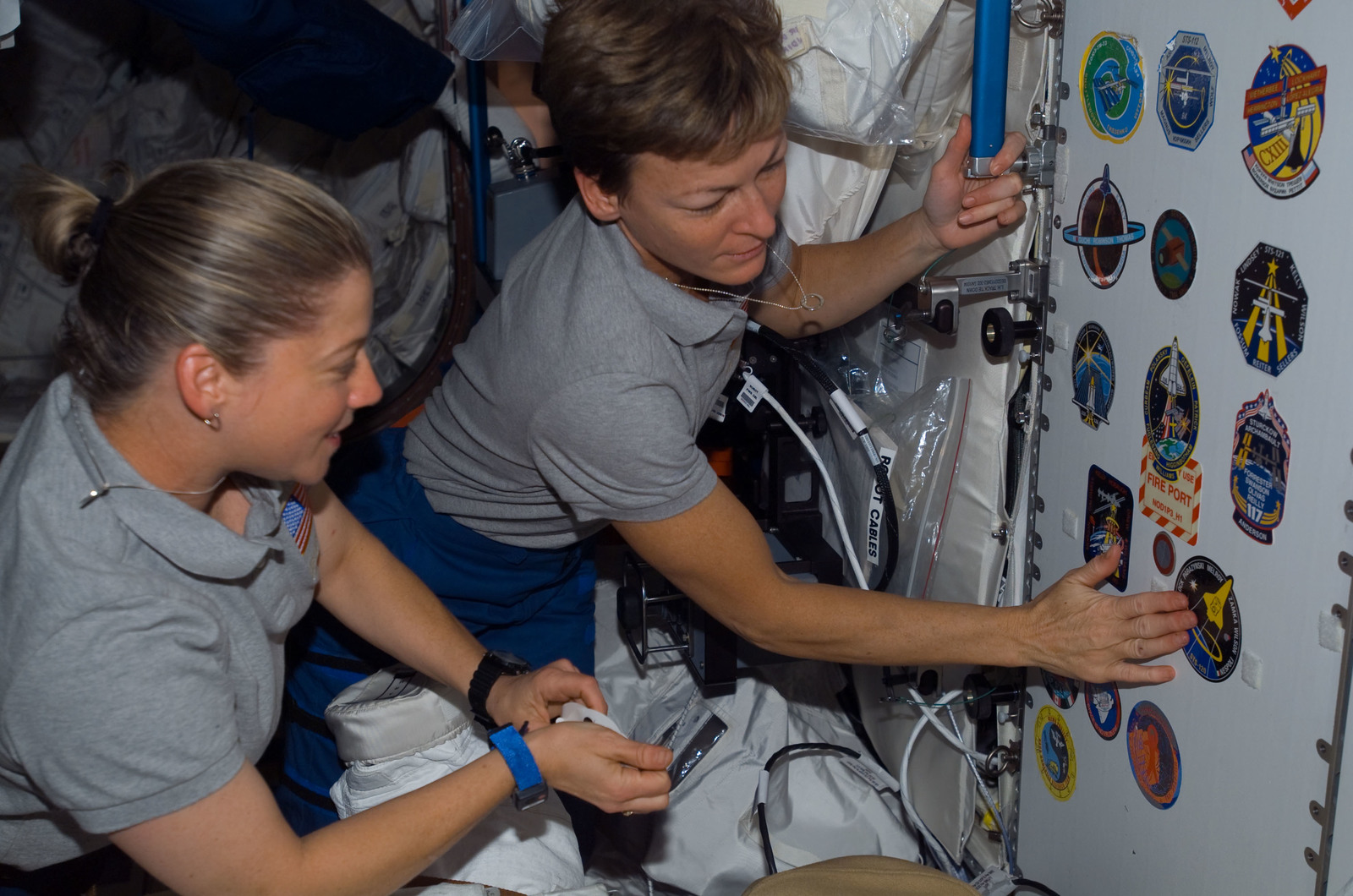 S120E008352 - STS-120 - STS-120 and Expedition 16 Commanders in Node 1/Unity module