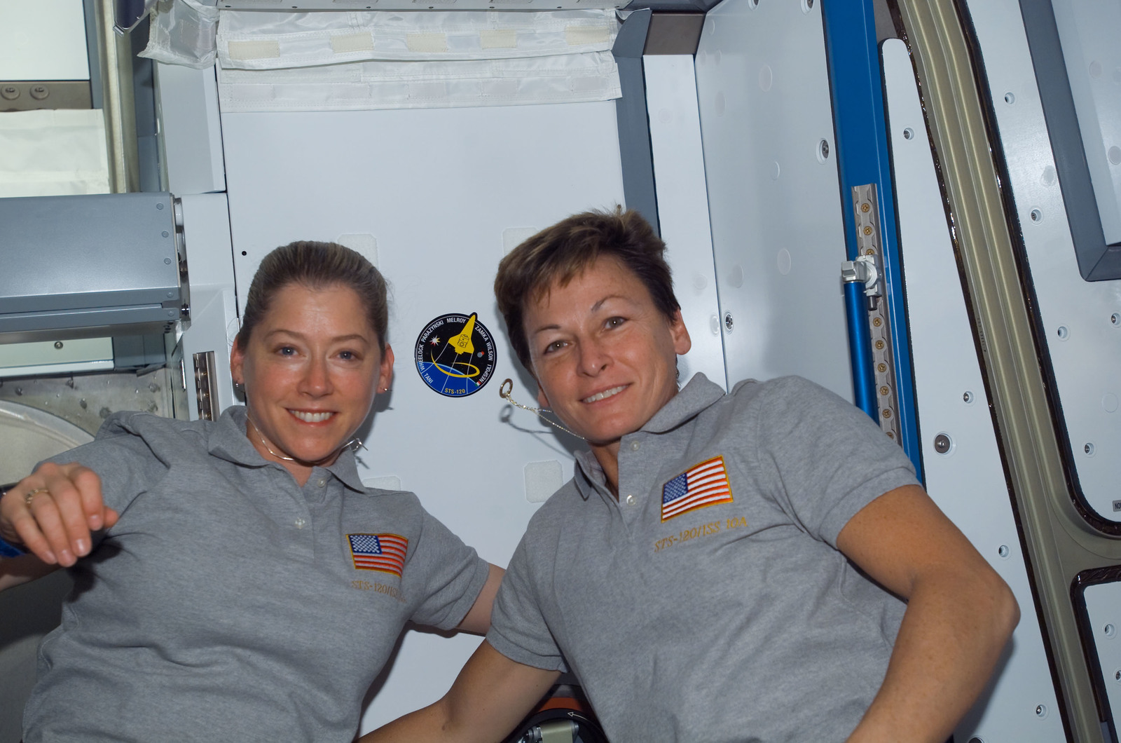 S120E008356 - STS-120 - STS-120 and Expedition 16 Commanders in Node 2/Harmony module