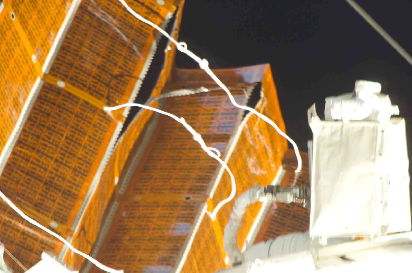 S120E008403 - STS-120 - Damaged P6 4B solar array