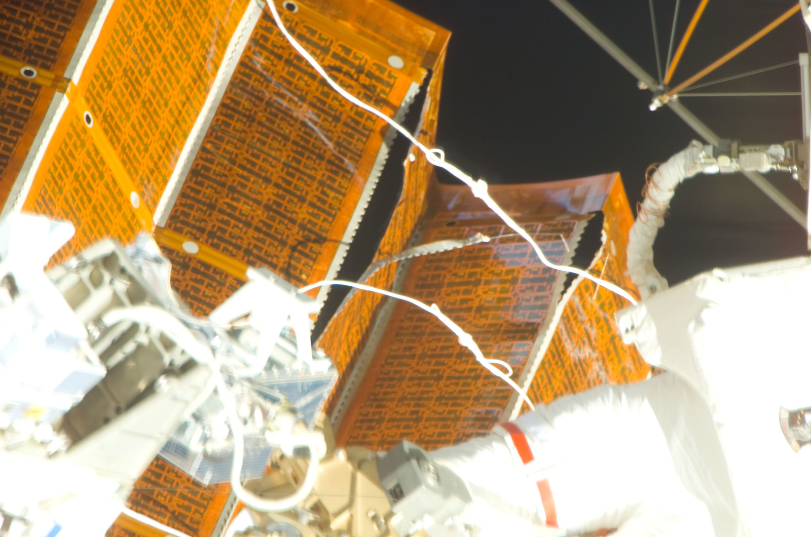 S120E008408 - STS-120 - EVA 4 - P6 4B solar array repair
