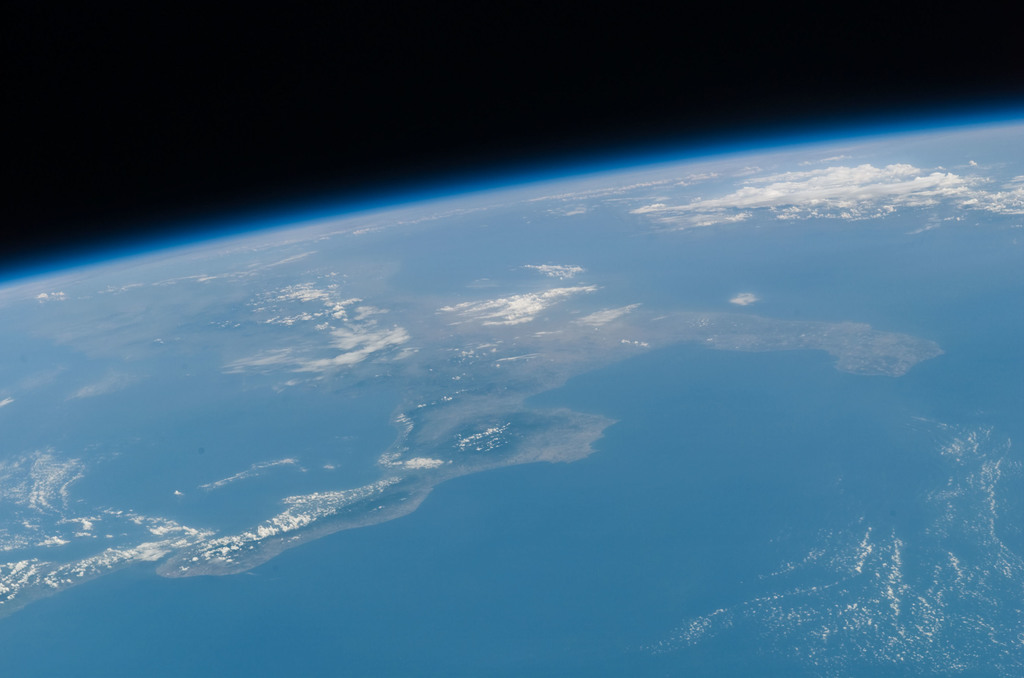 S121E06528 - STS-121 - Earth limb with Italy and the Mediterranean Sea in view taken during STS-121 / Expedition 13 joint operations