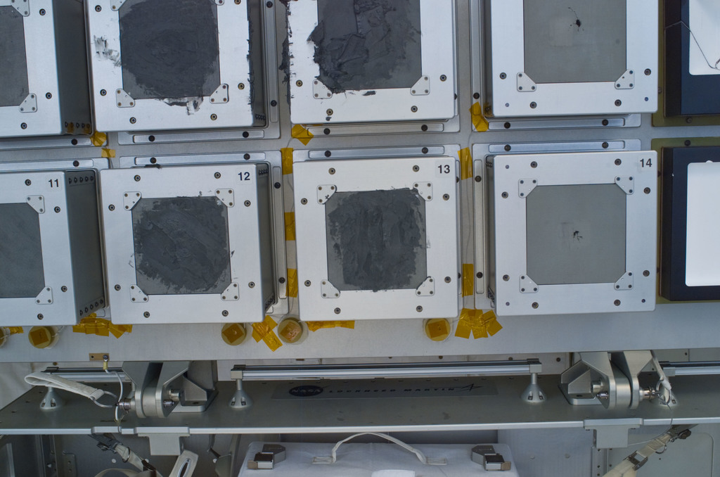 S121E06669 - STS-121 - View of RCC repair sample pallet for DTO 484 taken during STS-121 / Expedition 13 joint operations