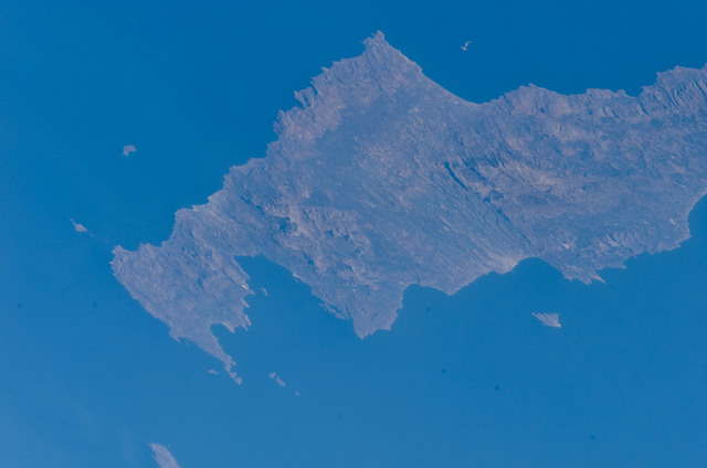 S121E08308 - STS-121 - Earth view taken oer the Island of Crete during STS-121