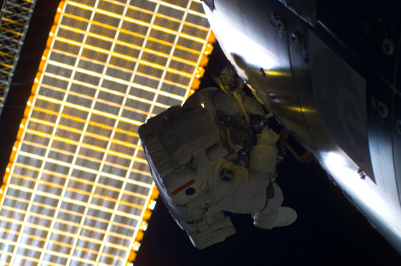S122E008792 - STS-122 - Walheim during EVA 3