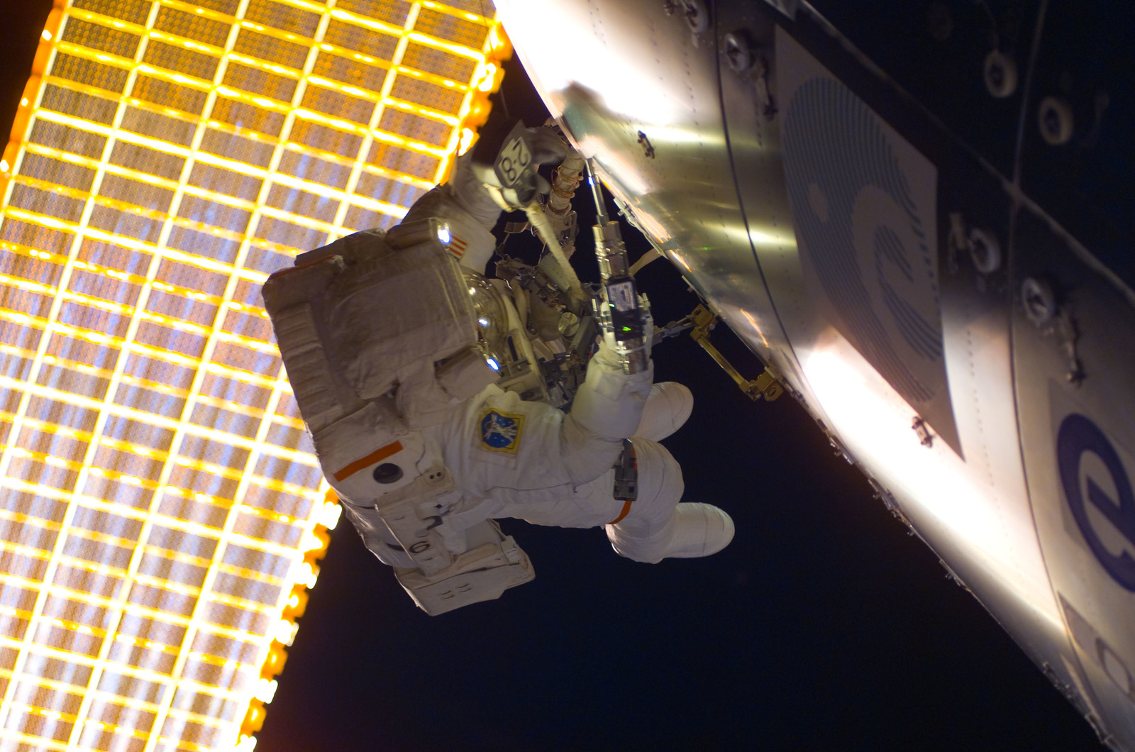 S122E008796 - STS-122 - Walheim during EVA 3