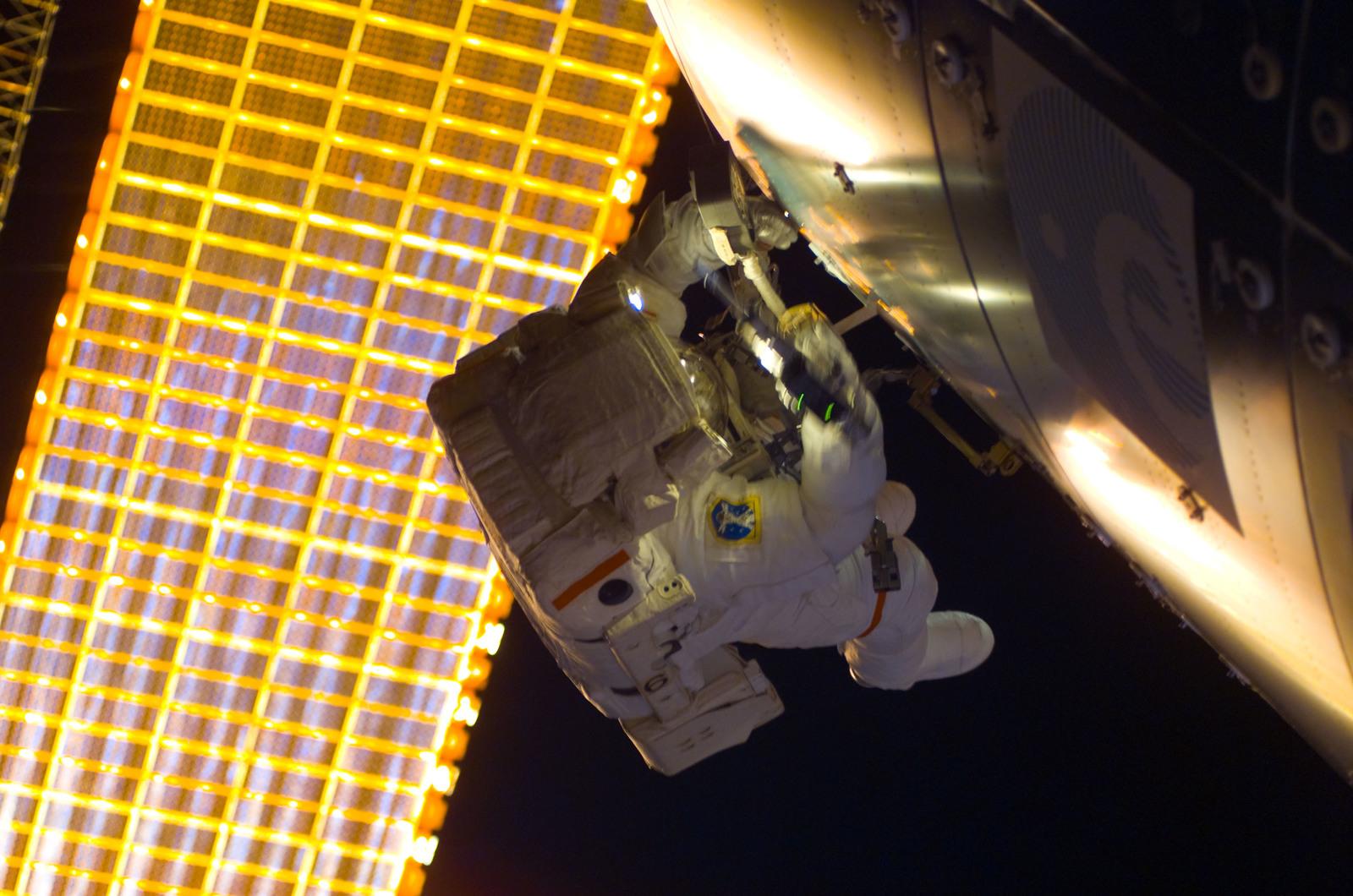 S122E008797 - STS-122 - Walheim during EVA 3