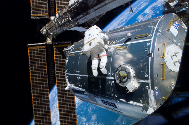 S122E008915 - STS-122 - Walheim during EVA 3