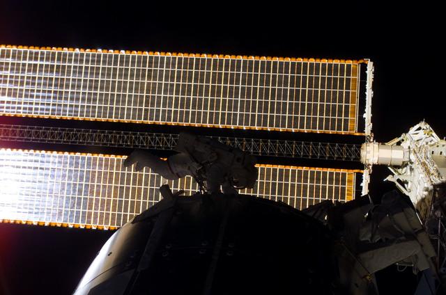 S122E009000 - STS-122 - Walheim during EVA 3
