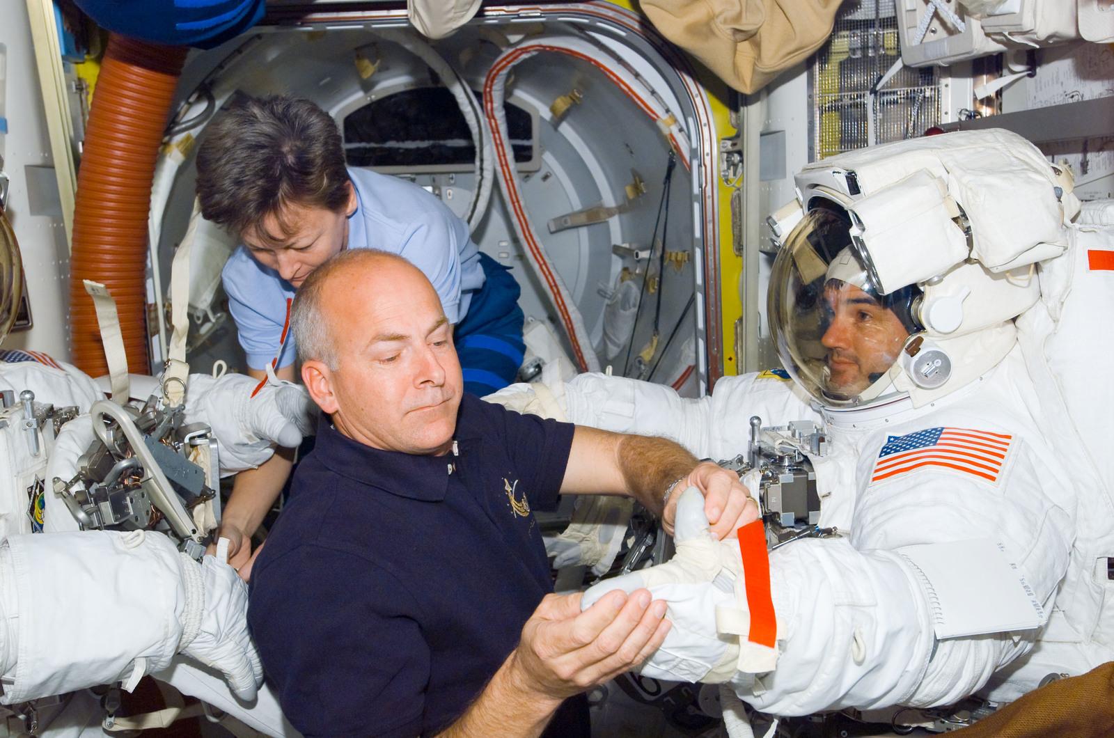 фоне другие космонавты в картинках лучезарным будет настроенье