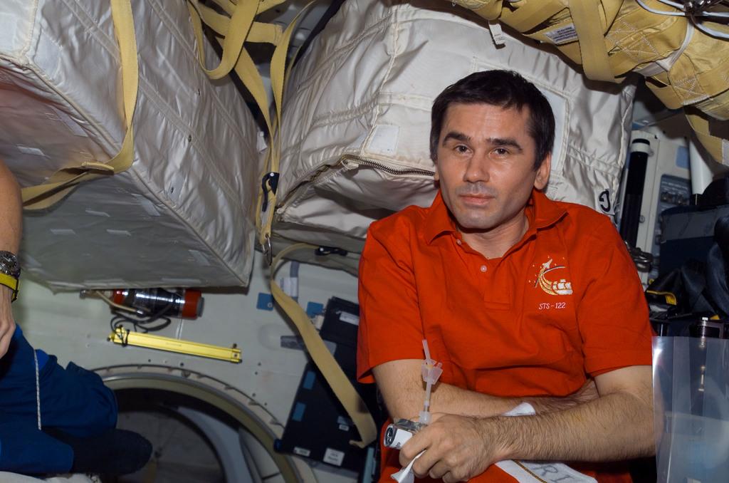 S122E009520 - STS-122 - Malenchenko on Atlantis MDDK