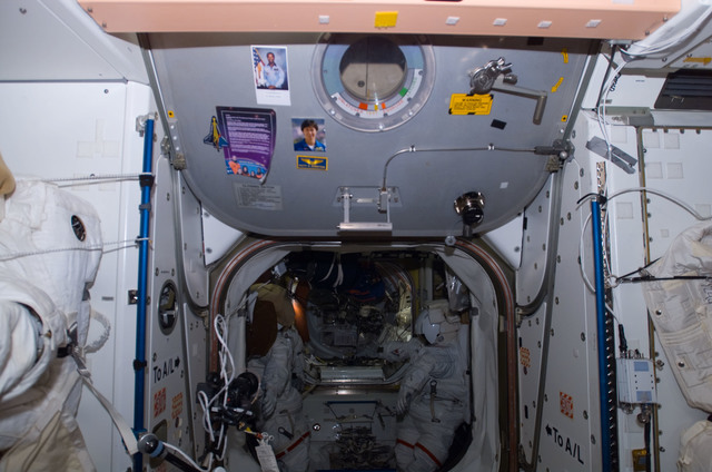 S122E009525 - STS-122 - Node 1 Hatch during Expedition 16/STS-122 Joint Operations