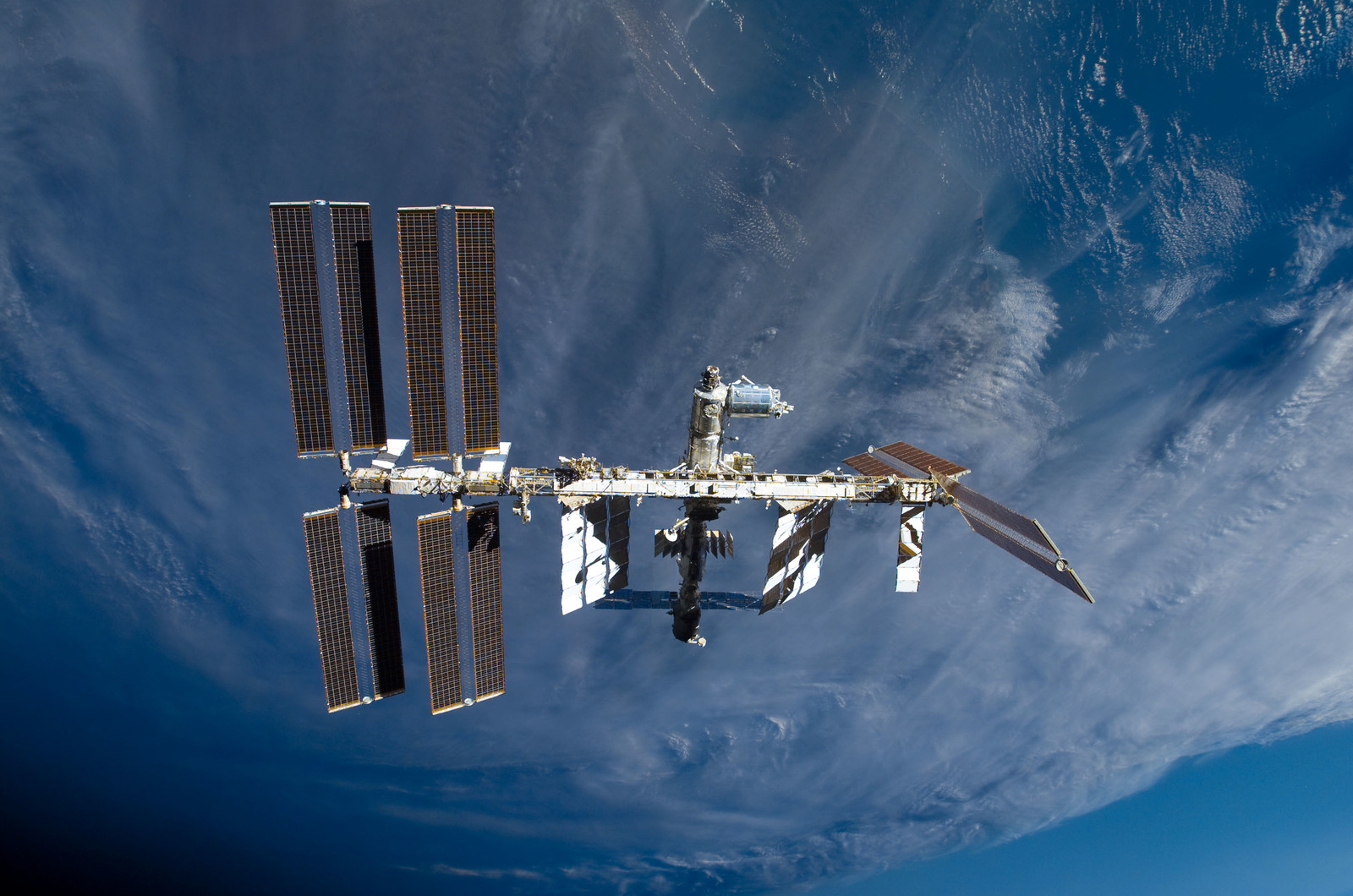 S122E009886 - STS-122 - View of ISS after STS-122 Undocking