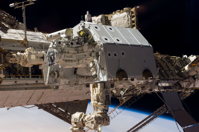 S123E005946 - STS-123 - Dextre taken during Expedition 16 / STS-123 Joint Operations