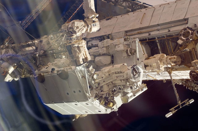 S123E005948 - STS-123 - Dextre taken during Expedition 16 / STS-123 Joint Operations