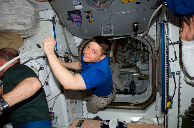S123E006384 - STS-123 - Reisman and Behnken in the Node 1 during STS-123 / Expedition 16 Joint Operations