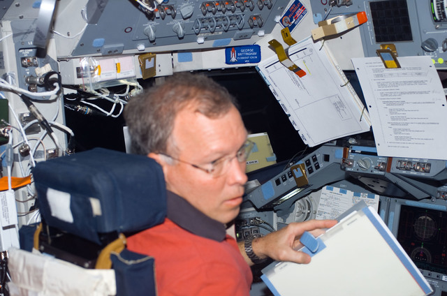 s123e006509 - STS-123