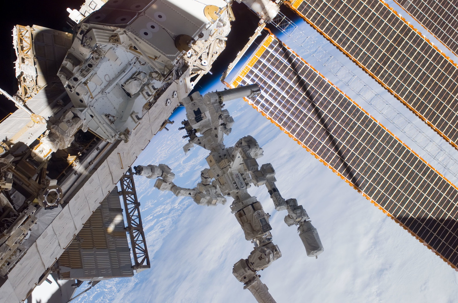 S123E007085 - STS-123 - Dextre on P1 Truss platform during Expedition 16 / STS-123 Joint Operations