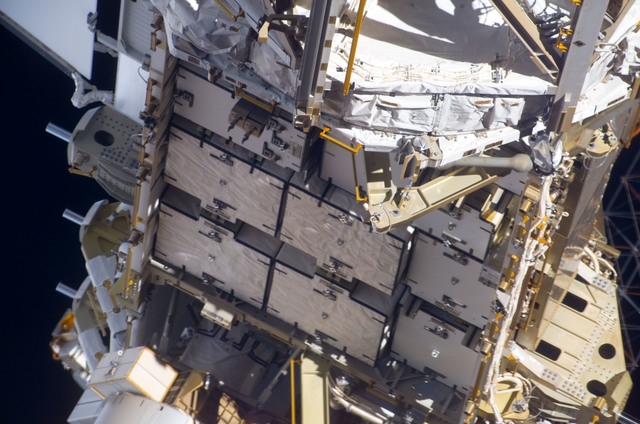 S123E008043 - STS-123 - Survey view of the P3 and P4 Trusses during Joint Operations